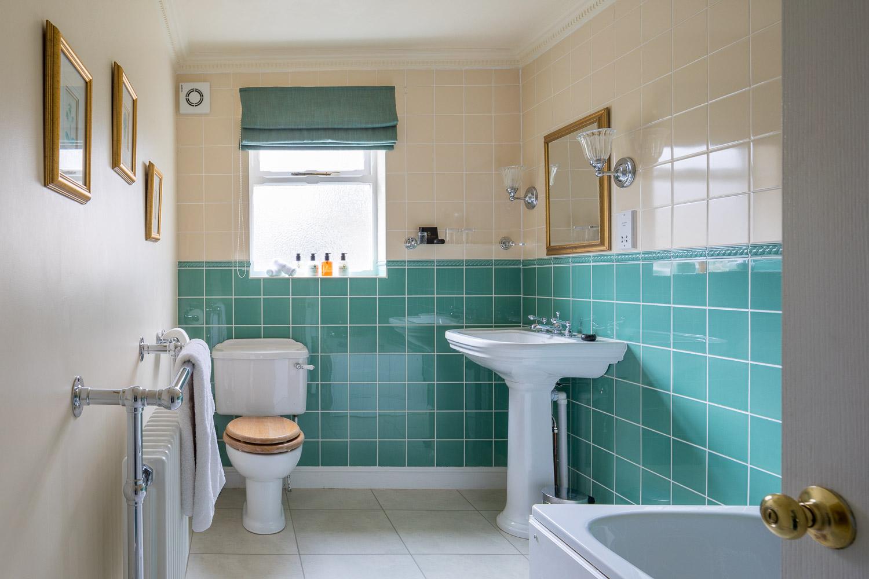 bathroom country house hotel near crickhowell