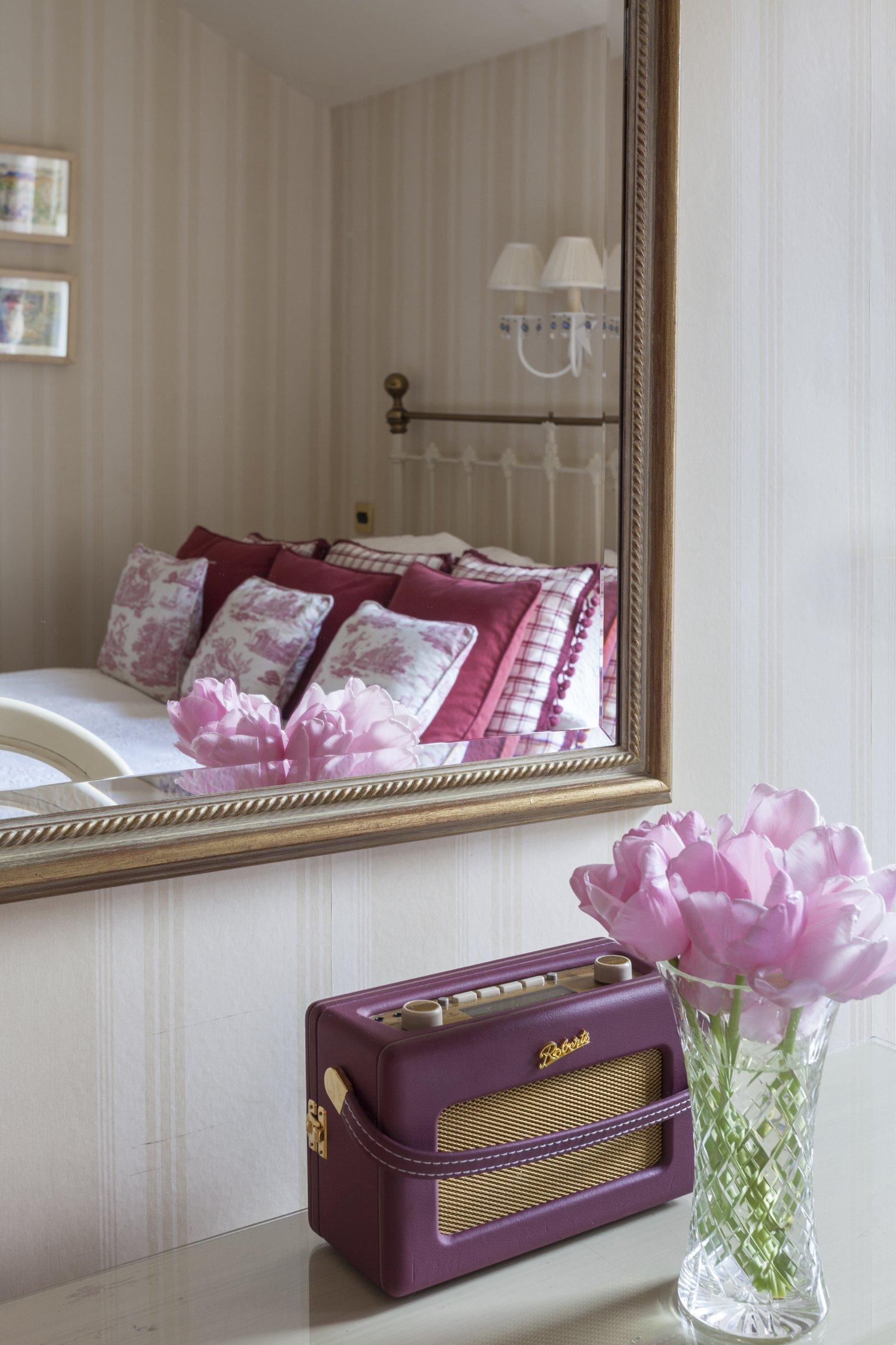 luxury country house hotel bedroom