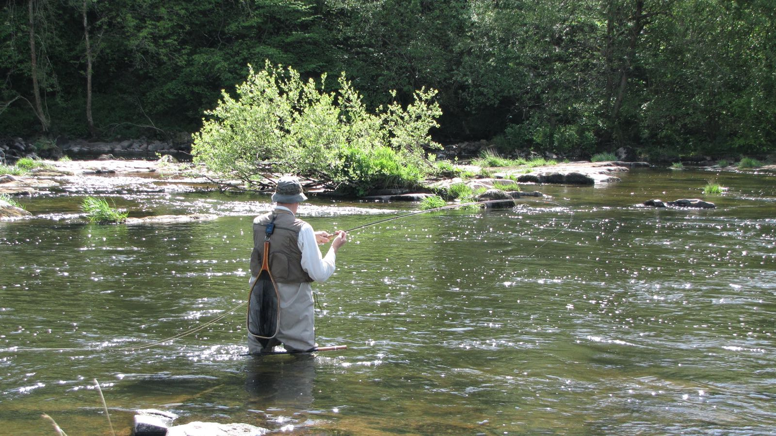 fly fishing hotel in wales